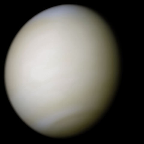 Pokryta chmurami Venus.