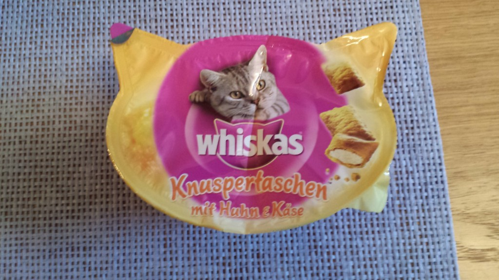 To nie jest reklama natywna. Firma Whiskas nic mi nie płaci za pokazanie ich produktów. Ale żeby nie było niejasności co do moich zasad etycznych - gdyby chcieli płacić, to wziąłbym każde pieniądze :)