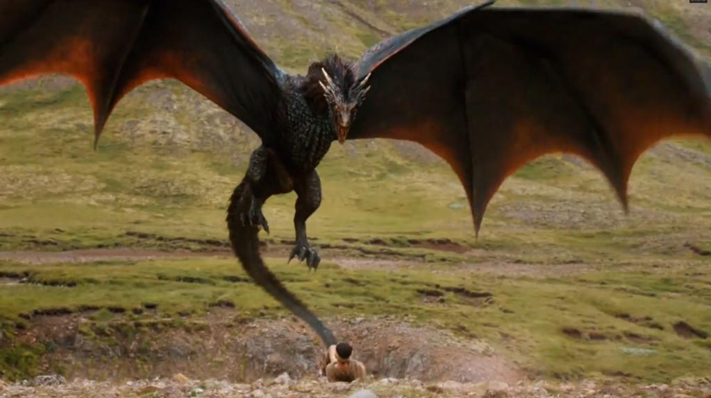 Nie zapominajmy, że Drogon to nadal maleństwo.