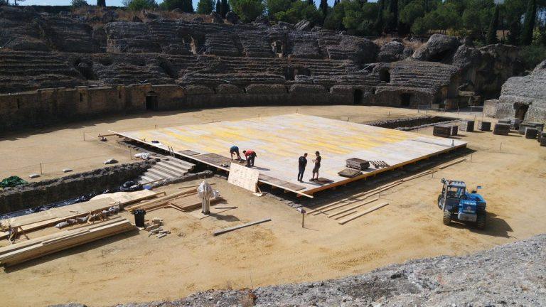 Ruiny amfiteatru w Italice.