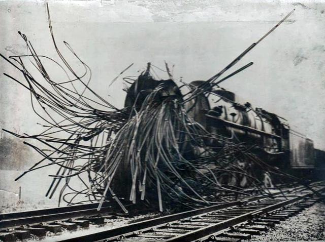 Lokomotywa po wybuchuLokomotywa po wybuchu