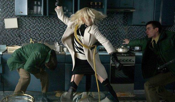 "Kadr z filmu ""Atomic Blonde"""