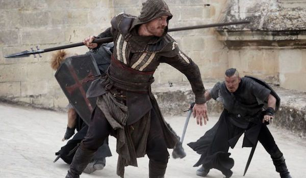 "Kadr z filmu ""Assassin's Creed"""
