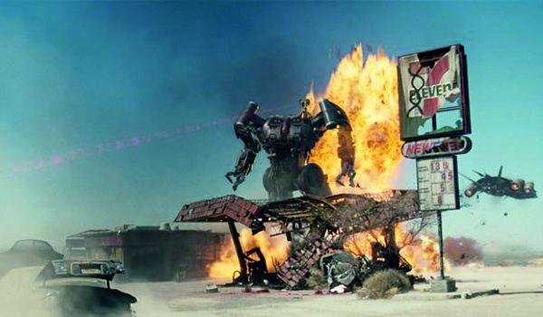 "Kadr z filmu ""Terminator: Ocalenie"""