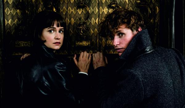 """Kadr z filmu """"Fantastyczne zwierzęta: Zbrodnie Grindelwalda"""""""